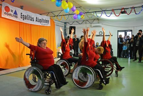 ParaDance Company kerekesszékes tánccsoport